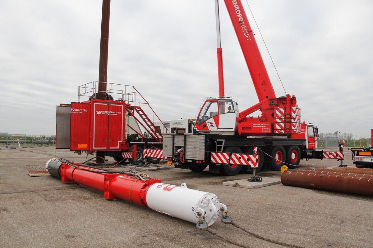 Our in-house engineered trailers assure the tube to be held perfectly in a vertical position