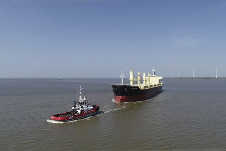 Tug assistance and agency service for MV Adrienne in the port of Delfzijl