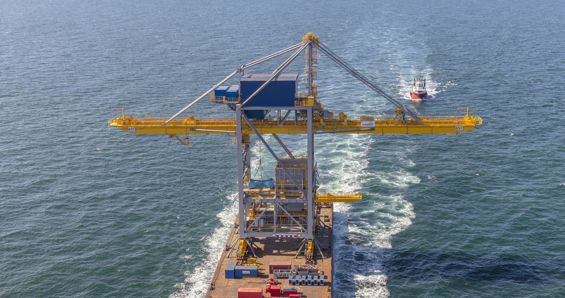 Wagenborg tows a new port crane from Poland to Tata Steel in IJmuiden